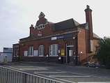 Wikipedia - Southbury railway station